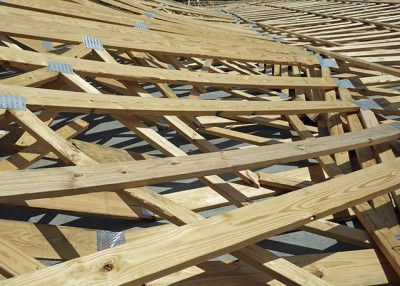 Wood Truss connected by metal plate engineering collapse
